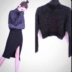 Zara Cropped black/white turtleneck Sweater 🌸